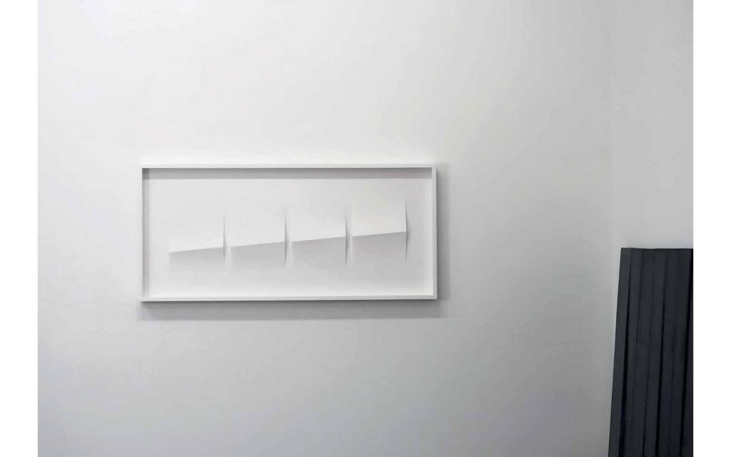 Seitenansicht: Cécile Dupaquier - weiß obskur