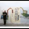 page view: Martin Conrad - Weiße Fenster im Raum Nahrung geben